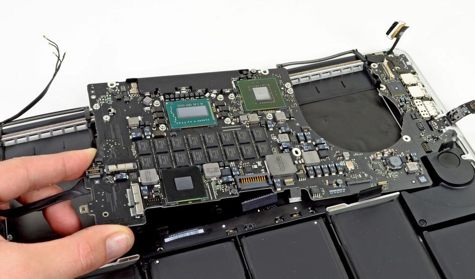 Apple разрабатывает собственный чип для MacBook