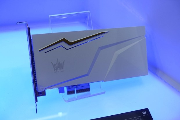 SSD накопитель Galax Hall of Fame (HOF) E12 AIC PCIe