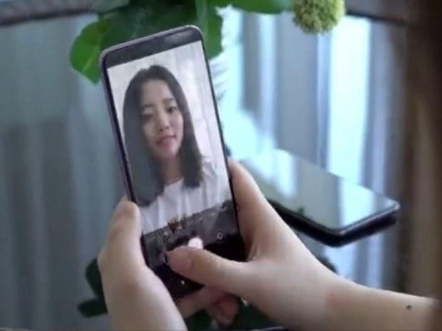Скрытая поддисплейная камера в телефоне Oppo